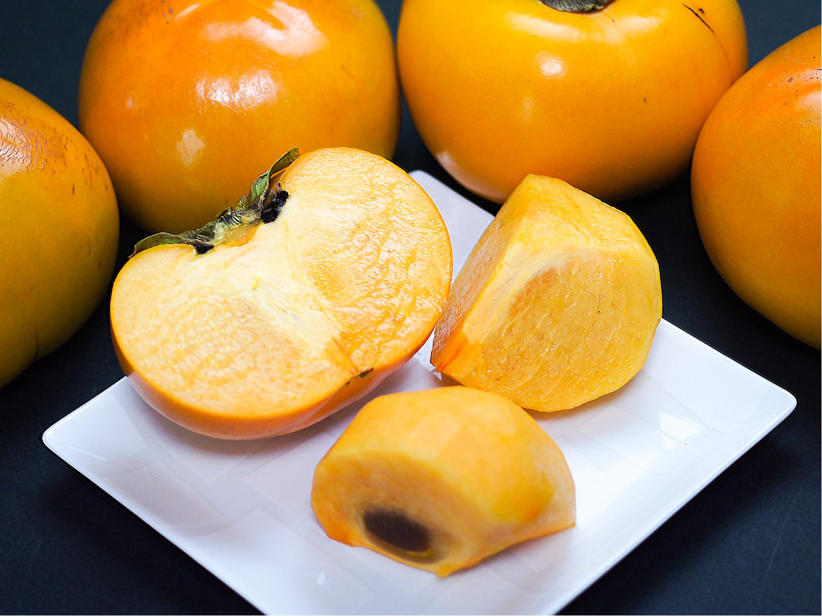 柿を食べて、美肌・美白・アンチエイジング効果!